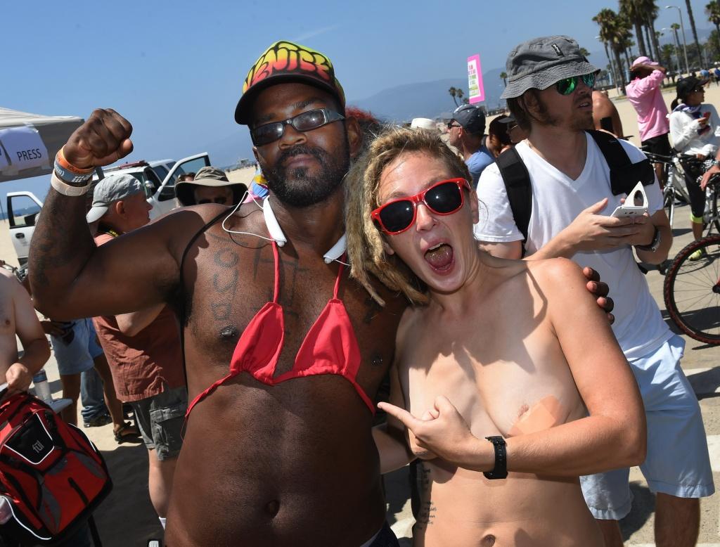 topless Venice women beach