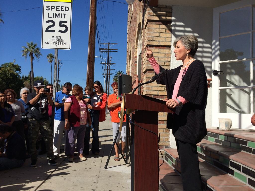 Sen. Barbara Boxer (D-Calif.) on November 8, 2013, called on AllenCo to halt operations while the EPA investigates claims of health impacts from fumes at its University Park facility.