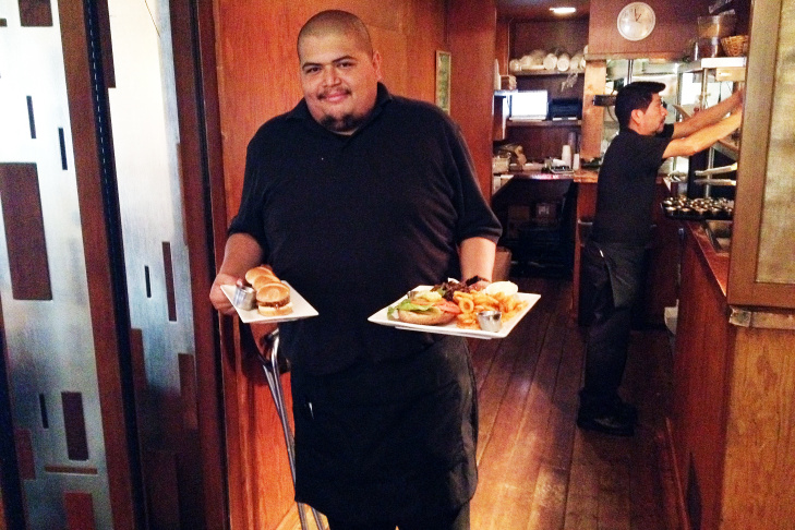 Ruben Arreola at Mo's