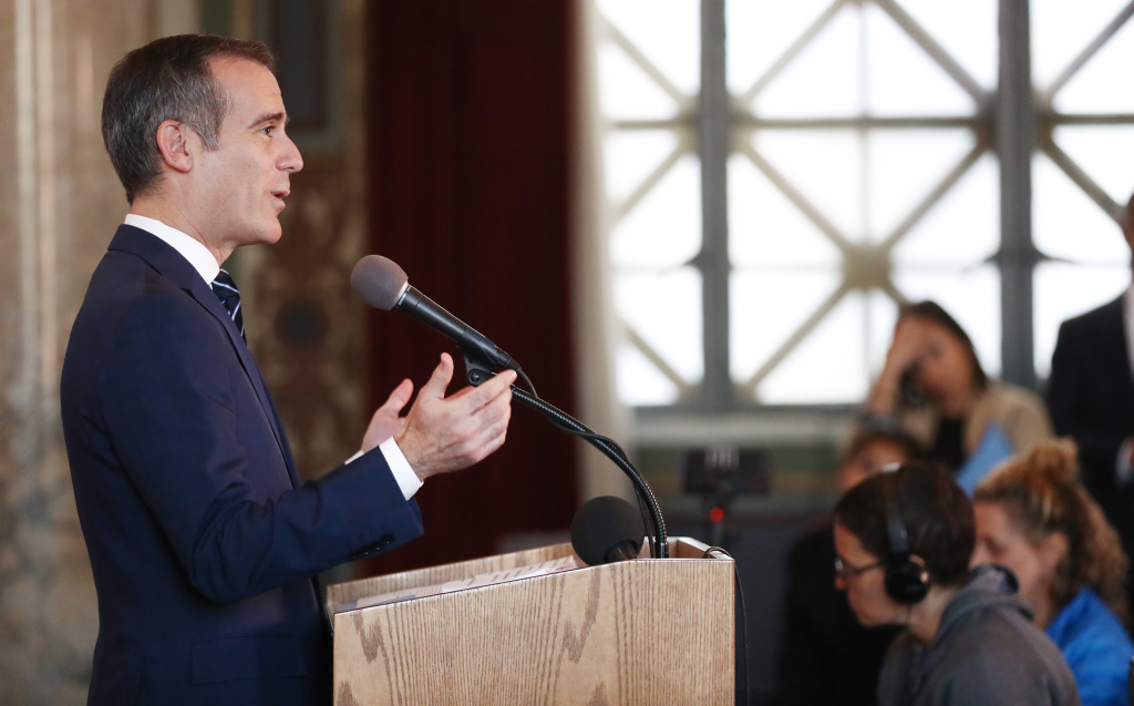 Los Angeles Mayor Eric Garcetti announces a new plan to reduce carbon emissions across the city.