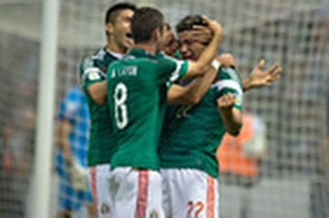 Raul Jimenez scores a spectacular goal to help Mexico defeat Panama on Friday, Oct. 11, 2013.
