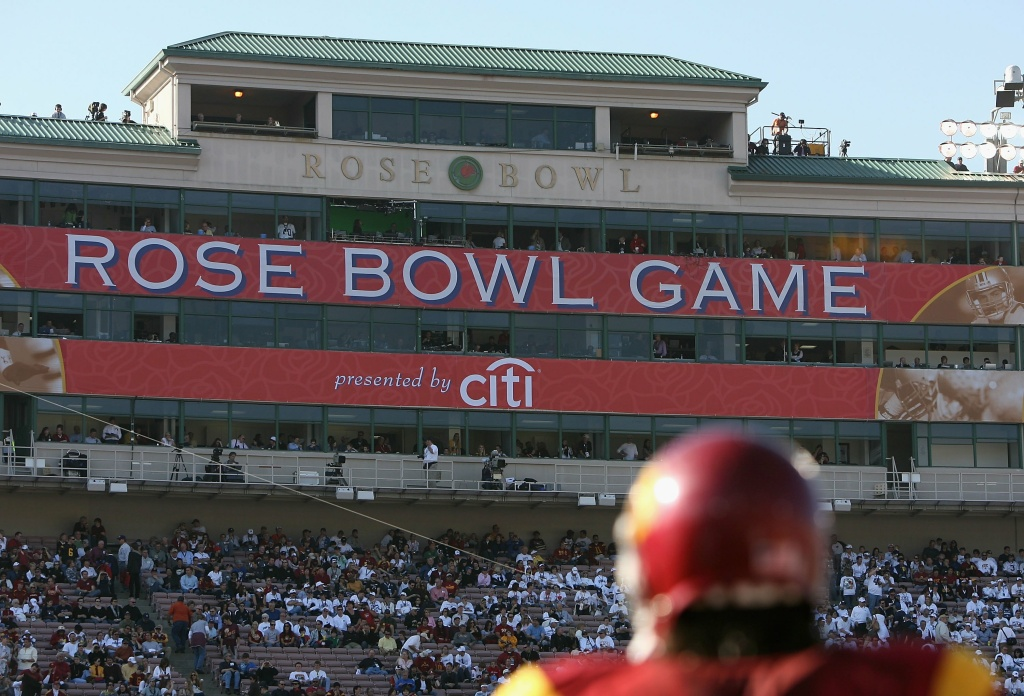 Stanford meets Michigan State in the 2014 the Rose Bowl, which is expected to provide a big boost for local businesses.
