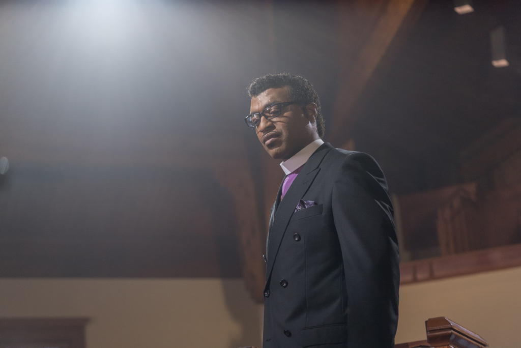 Chiwetel Ejiofor plays Carlton Pearson in