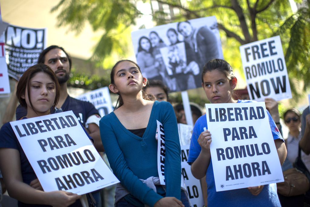 File: Daughters of Romulo Avelica-Gonzalez, Jocelyn, 19, (L) Fatima, 13, and Yuleni, 12, (R), attend a rally for his release outside U.S. Immigration and Customs Enforcement (ICE) offices on March 13, 2017 in Los Angeles.