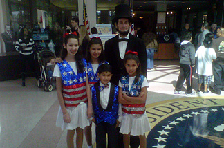 Abraham Lincoln impersonator poses with children at Richard Nixon Museum in Yorba Linda, Presidents Day 2011. (Children: Juliana Pinzon, 12; Janelly Barajas, 14; Dylan Barajas, 7; Deianira Barajas, 9)