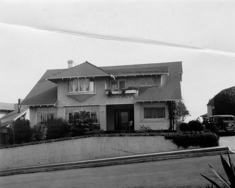 Exterior view of the Oesterreich's home in Silver Lake c1937