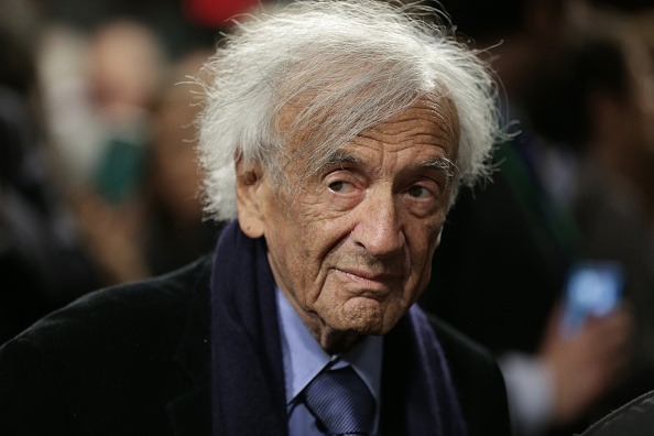 WASHINGTON, DC - MARCH 02:  Nobel Peace Laureate Elie Wiesel arrives for a roundtable discussion on Capitol Hill March 2, 2015 in Washington, DC. Wiesel, Sen. Ted Cruz and Rabbi Scmuley Boteach participated in a discussion entitled