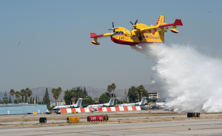 Bombardier CL-415 Super Scooper