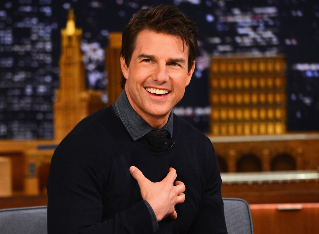 Tom Cruise visits