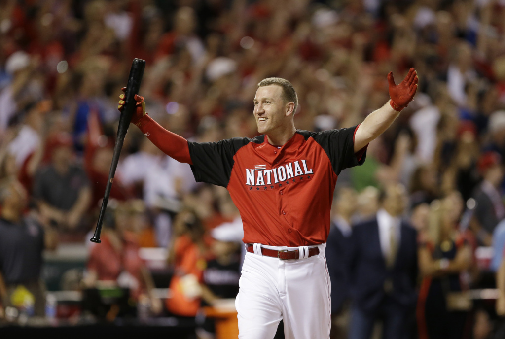 National League's Todd Frazier, of the Cincinnati Reds, reacts after winning the MLB All-Star baseball Home Run Derby, Monday, July 13, 2015, in Cincinnati. (AP Photo/Jeff Roberson)