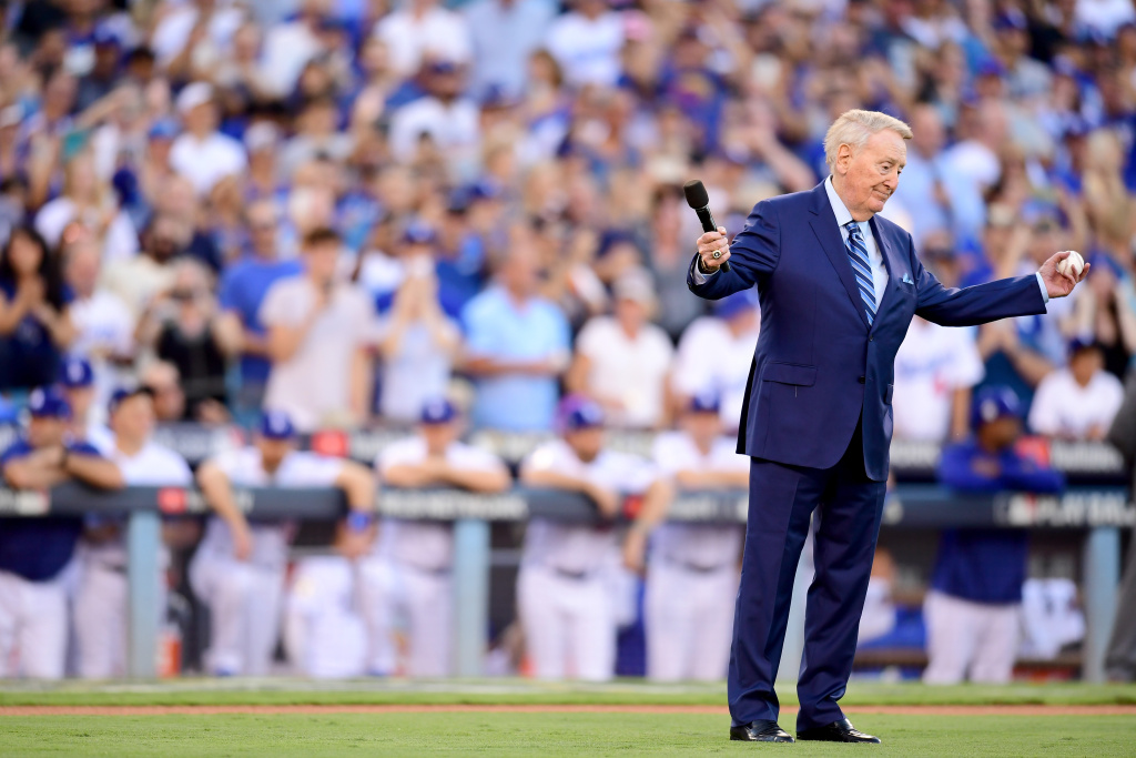 Former Los Angeles Dodgers broadcaster Vin Scully addresses fans before game two of the 2017 World Series.