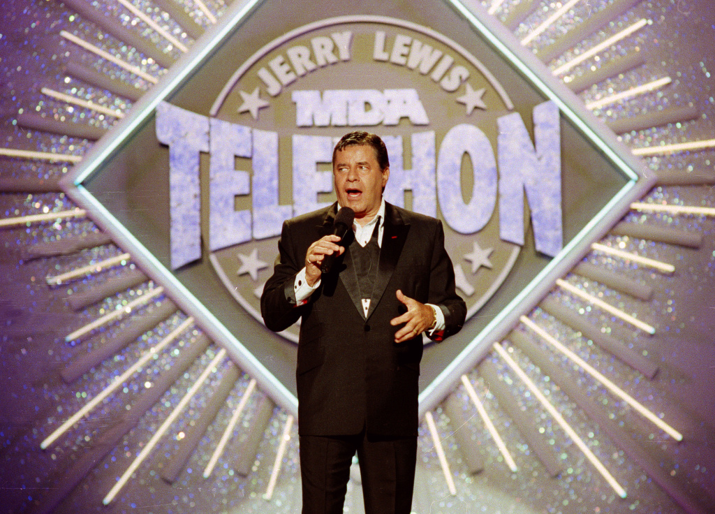 Jerry Lewis makes his opening remarks at the 25th Anniversary of the Jerry Lewis MDA Labor Day Telethon fundraiser, on Sep. 2, 1990.