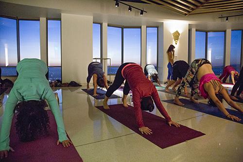 OUE Skyspace LA - Sunset Yoga