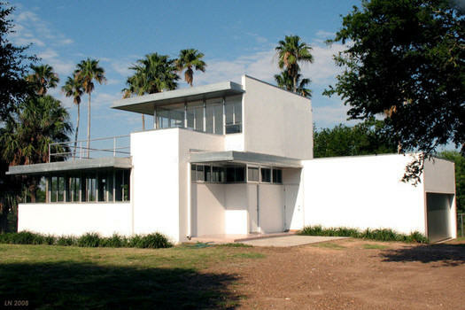 Architect Richard Neutra's Kraigher House, located in Brownsville, Texas. The house is believed to be the first International-style house in Texas.