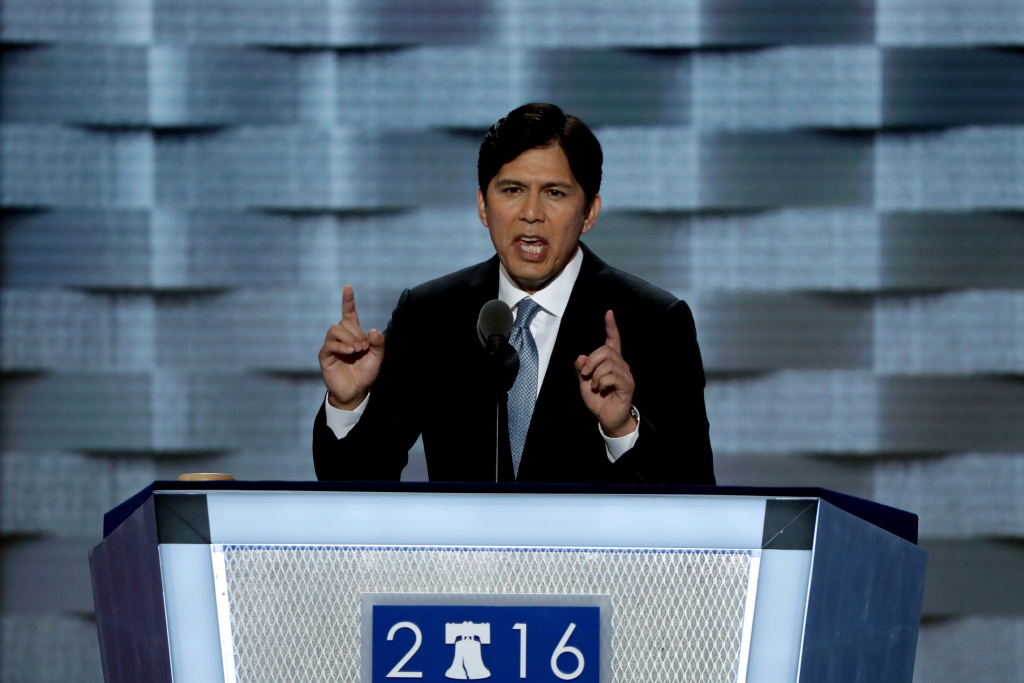 California State Senator Kevin de Leon delivers a speech on the first day of the Democratic National Convention at the Wells Fargo Center, July 25, 2016 in Philadelphia, Pennsylvania.