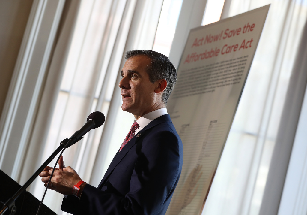 Los Angeles Mayor Eric Garcetti speaks during a town hall in Los Angeles, California, in this February 22, 2017 file photo. Garcetti signed an executive order Tuesday asking city officials to follow the Police Department's policy of not investigating people to determine their immigration status.