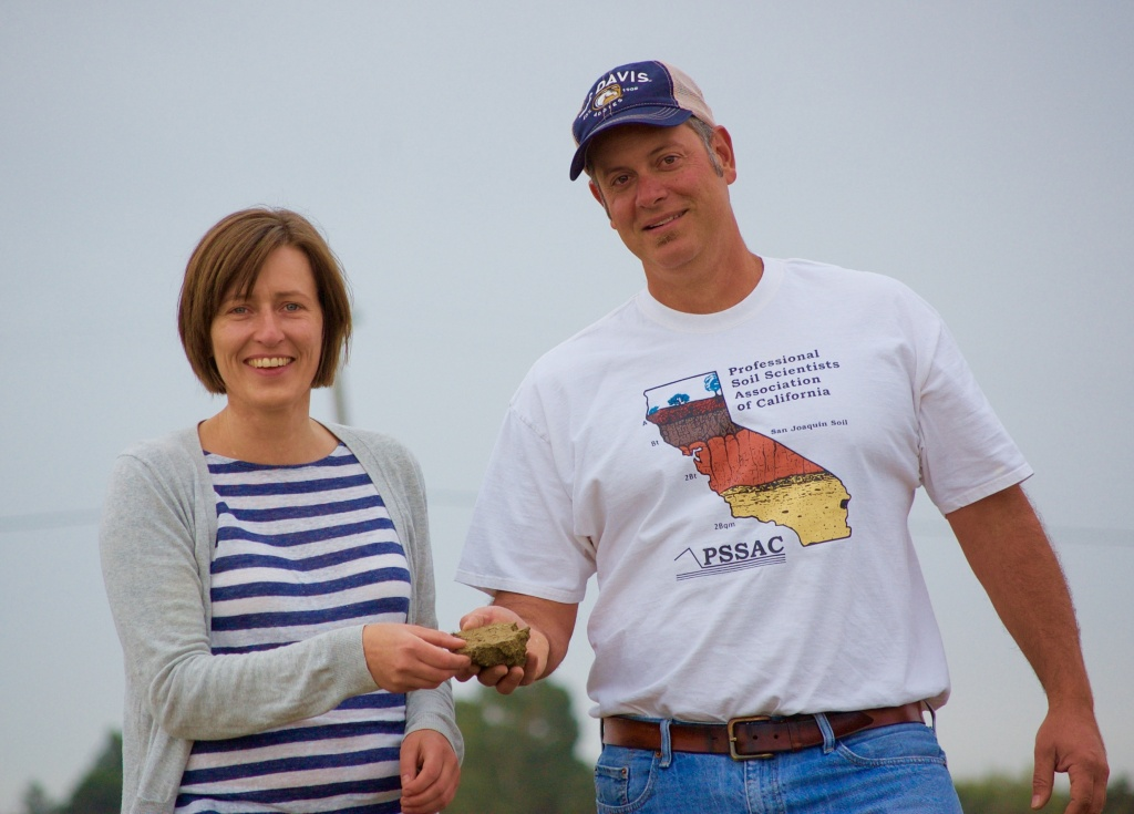 For good groundwater banking, the secret is in the soil, according to UC Davis professor Helen Dahlke and UC Cooperative Extension specialist Toby O'Geen. A new web-based map helps pinpoint the most promising parcels.