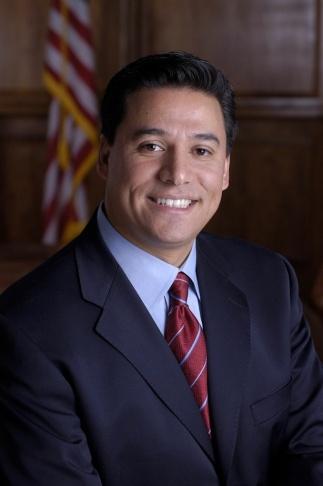 Former LA County Supervisor Gloria Molina wants LA Councilman Jose Huizar's job.