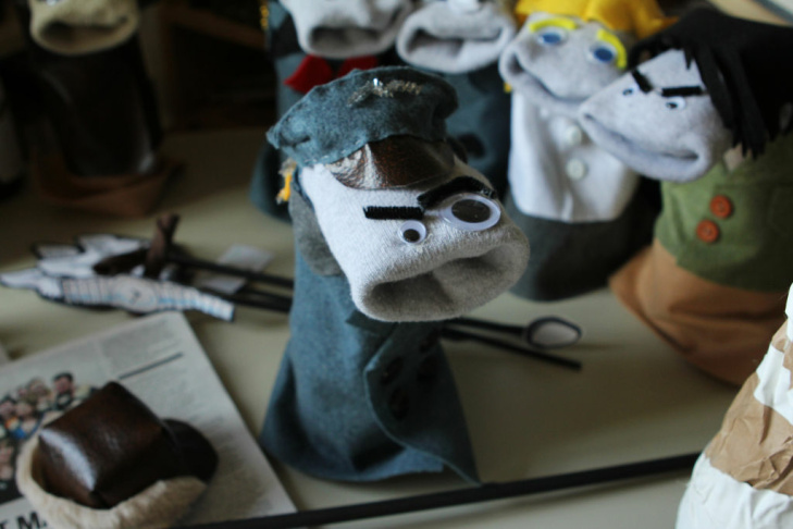 Sock Puppet Sitcom Theater