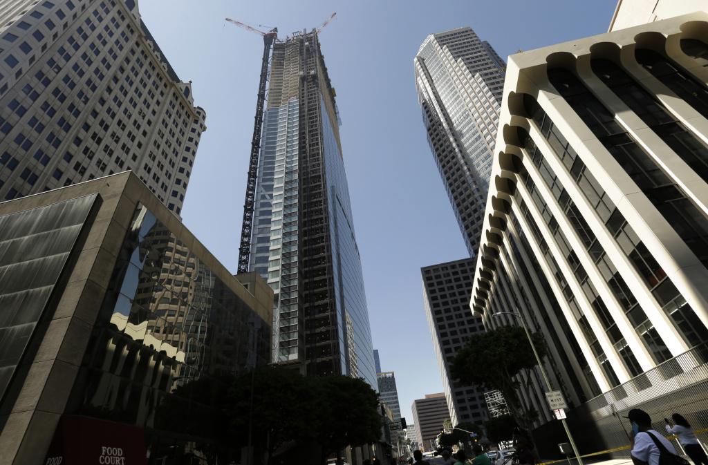 Los Angeles skyscraper plunge investigated as suicide | 89 3