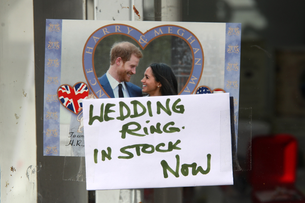 A shop sells memorabilia ahead of the dress rehearsal for the wedding of Prince Harry and Meghan Markle on May 17, 2018 in Windsor, England.