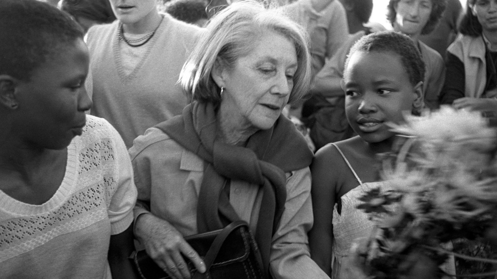 Nadine Gordimer visited Alexandra, the black township near Johannesburg, in 1986 to pay homage to victims of political unrest.