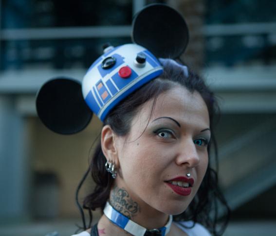 Kat Lockwood plays Kanaya Maryam at WonderCon 2013.