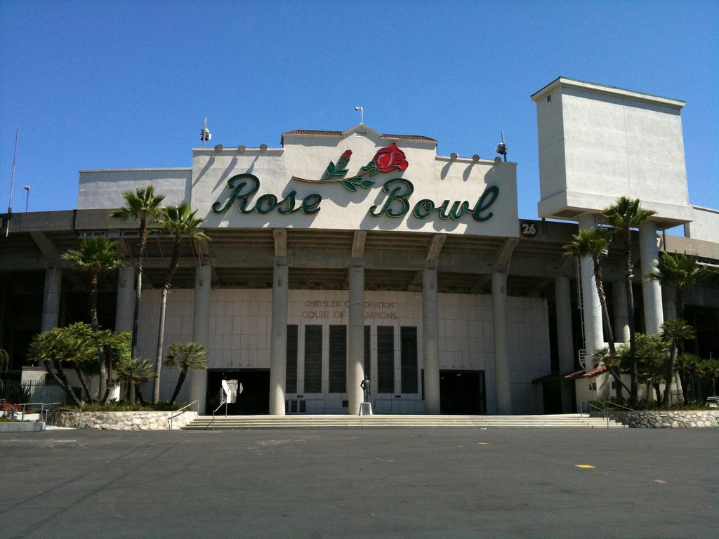 A new report recommends the Rose Bowl skip an opportunity to temporarily host a pro football team.