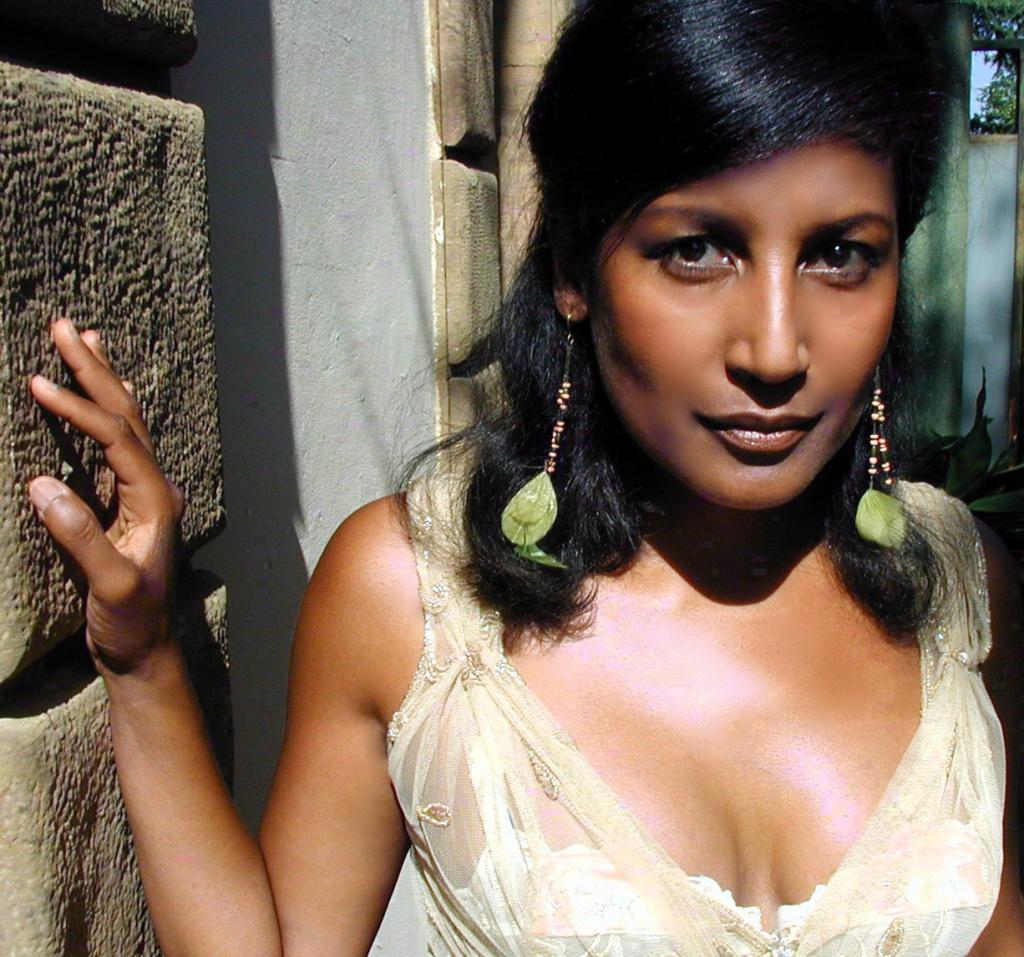 Razia Said, Malagasy singer.