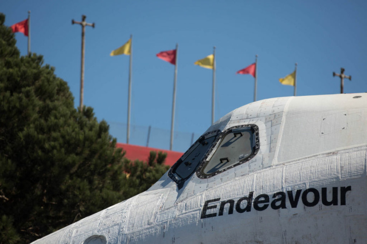 Shuttle Endeavour Sunday