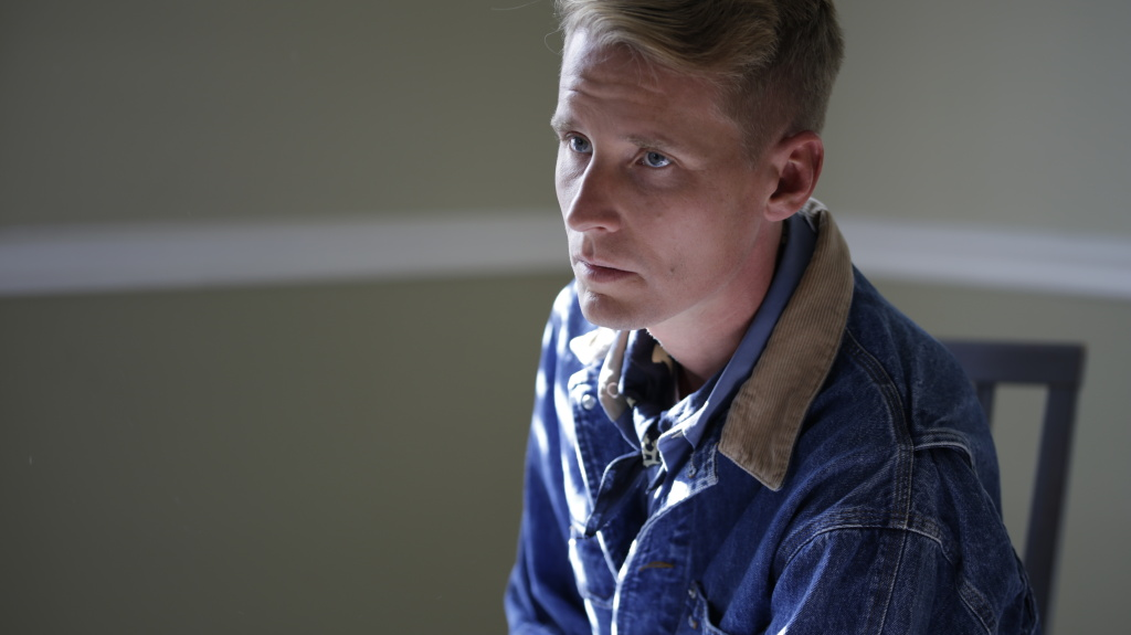 Tom Brosseau plays traditional American folk songs as well as originals on his latest album,