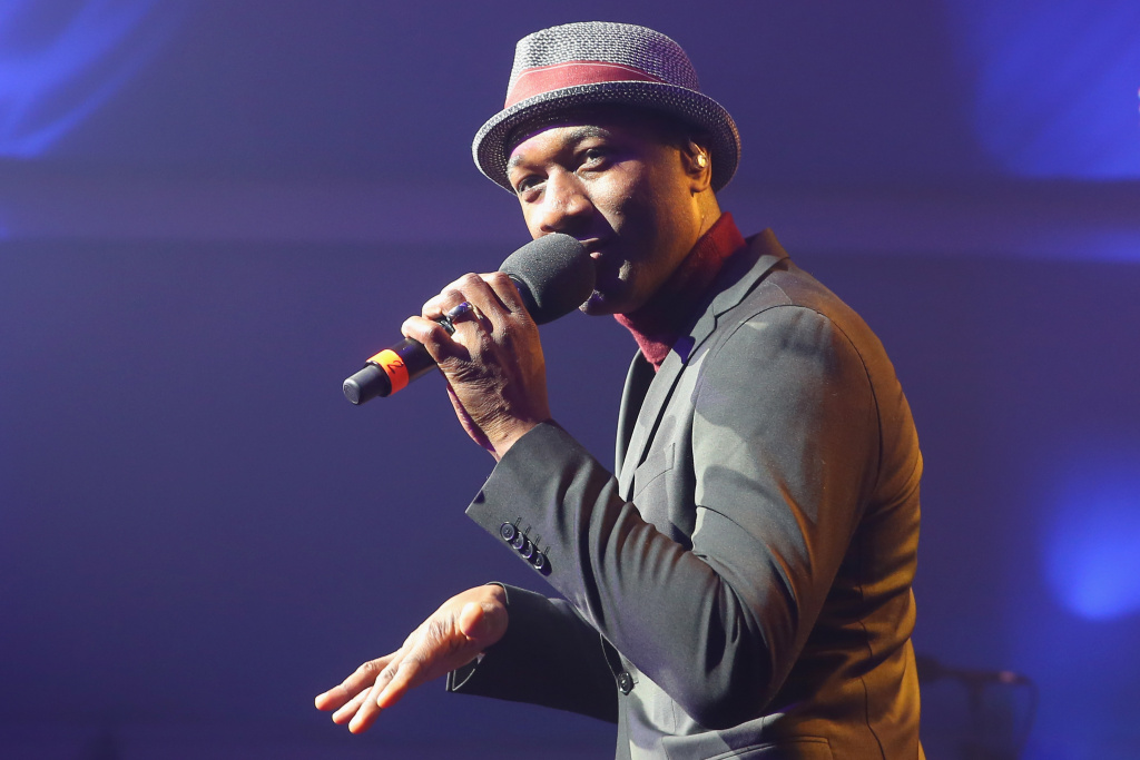 MUNICH, GERMANY - MAY 05:  Singer Aloe Blacc performes at the FWU Night 2018 on day 8 of the BMW Open by FWU at MTTC IPHITOS on May 5, 2018 in Munich, Germany.  (Photo by Alexander Hassenstein/Getty Images for BMW)
