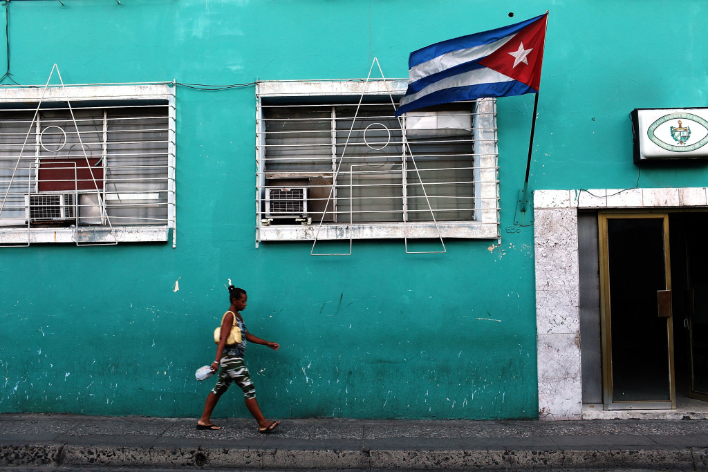Will Cuba take deportees from the US under re-established diplomatic ties?