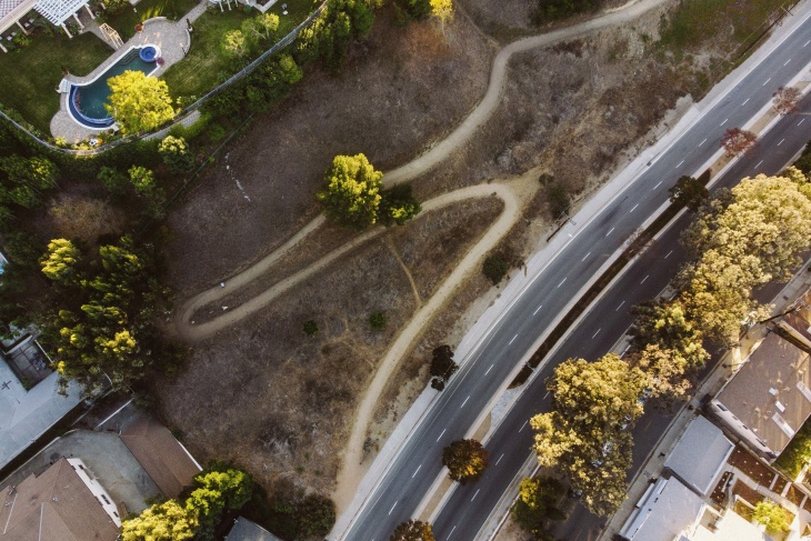 The Park to Playa Trail begins on the Stocker Corridor just a short distance from Leimert Park and the Baldwin Hills Crenshaw Mall.