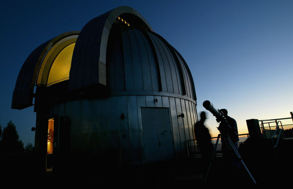 The Chabot Space and Science Center in Oakland, California reported receiving a number of calls about a bright streaking light in the Bay Area's skies Friday.