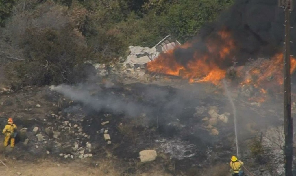 Brush fire closes 210 Freeway in Sun Valley area