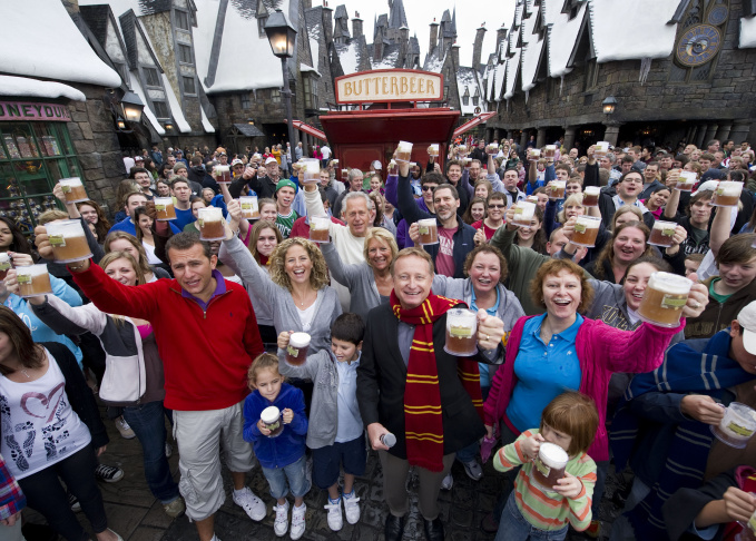 Universal Orlando Resort Celebrates The One-Millionth Butterbeer Sold At The Wizarding World of Harry Potter
