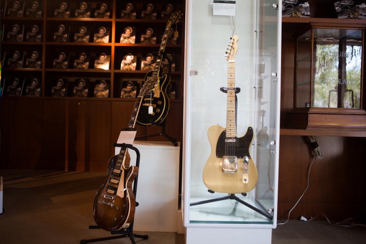 Les Paul created custom guitars for rock and roll heavyweights such as Eddie Van Halen.