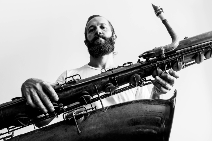 Colin Stetson uses a variety of special techniques when performing his bass saxophone compositions.