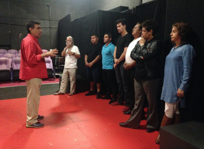 Rubén Amavizca-Murúa works with aspiring actors at a Grupo Teatro Sinergia workshop. The acting workshops near downtown L.A. are held in Spanish and attract immigrants from Latin America.