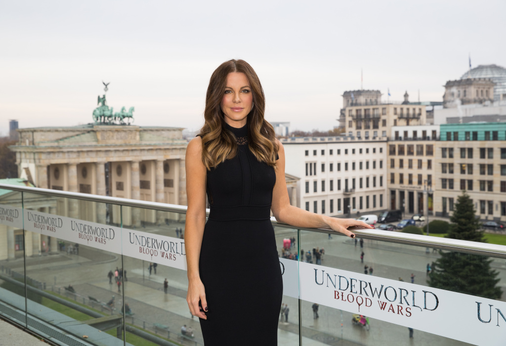 Actress Kate Beckinsale attends the Berlin to photocall for 'Underworld: Blood Wars' wearing a dress by Elie Saab on the terrace at Akademie der Kuenste on November 22, 2016 in Berlin, Germany.