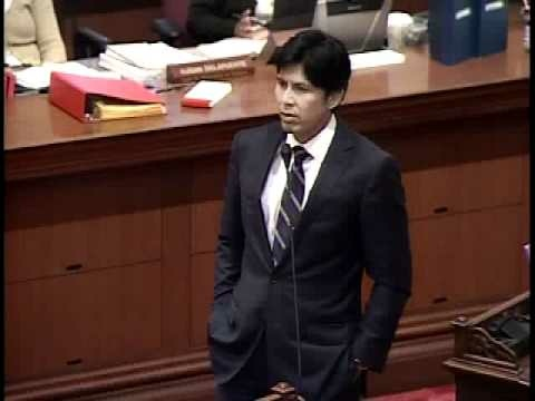Kevin de León (D-LA) chairs the State Senate Appropriations Committee.