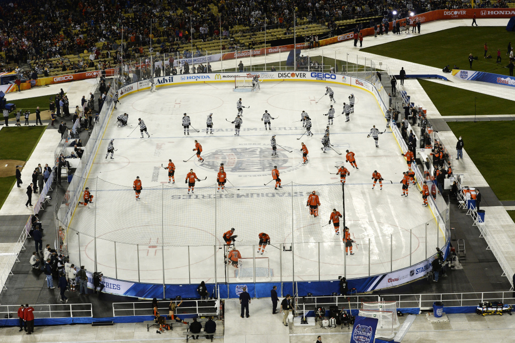 Ducks Beat La Kings 3 0 On Dodger Stadium Ice 89 3 Kpcc
