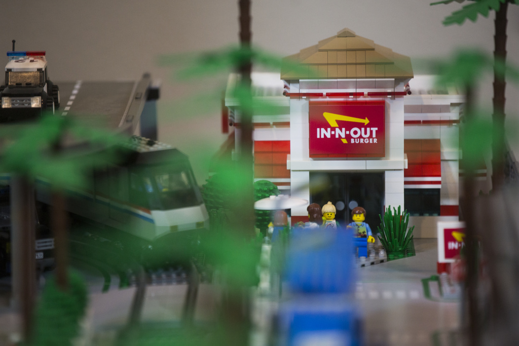 While putting together this Lego version of Los Angeles, Jorge Parra Jr. always wanted to include an In-N-Out Burger. Fittingly, his In-N-Out Burger restaurant is next to his latest addition, the Los Angeles International Airport, just like the one on Sepulveda Boulevard.