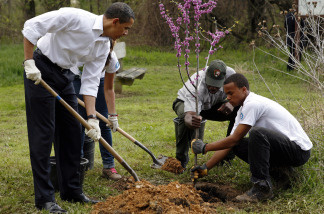 President Obama's United We Serve initiative aims at getting more Americans involved in community service
