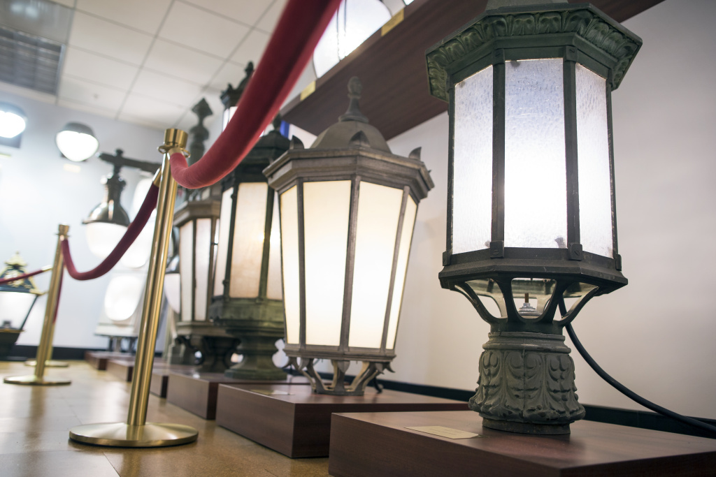 The Streetlight Museum at the City of Los Angeles Department of Public Works building was dedicated in January 2015. Los Angeles is the second largest city streetlight system in the country, second to New York City.