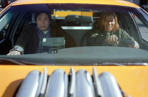 Queen Latifah and Jimmy Fallon in Taxi (2004)