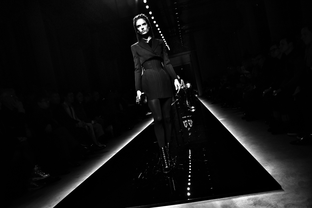PARIS, FRANCE - JANUARY 23: (Editors note: This image has been created using digital filters) Alessandra Ambrosio walks the runway during the Balmain Menswear Fall/Winter 2016-2017 show as part of Paris Fashion Week on January 23, 2016 in Paris, France.  (Photo by Pascal Le Segretain/Getty Images)