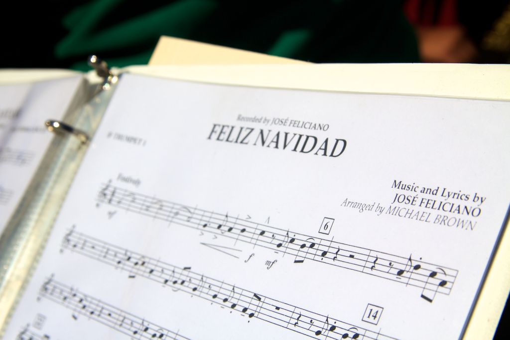 The sheet music for Feliz Navidad.
