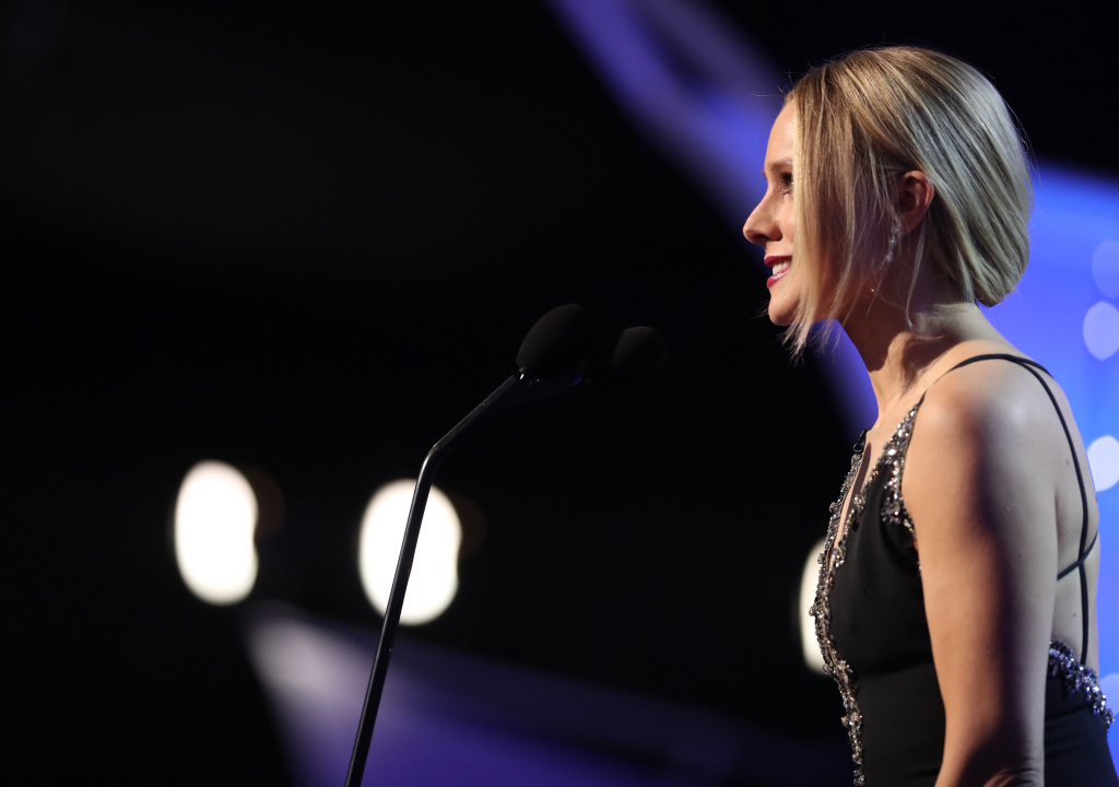 Host Kristen Bell onstage during the 24th Annual Screen Actors Guild Awards at The Shrine Auditorium on January 21, 2018 in Los Angeles, California.